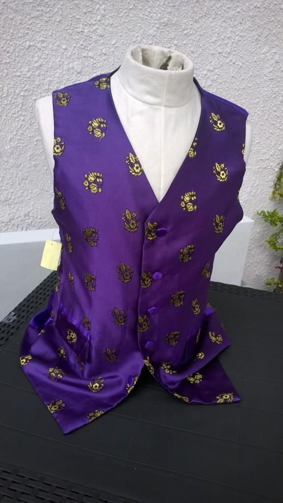 purple goth chest 40